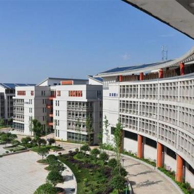 湖南高铁职业学院新校区铝合金门窗安装